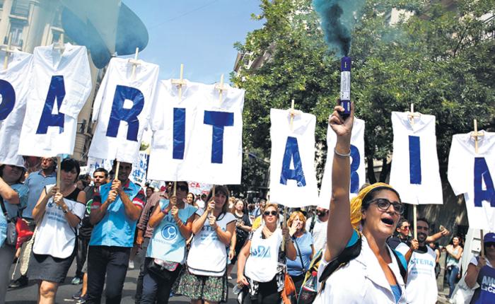 Argentina: Un aumento que no llega ni a lameta